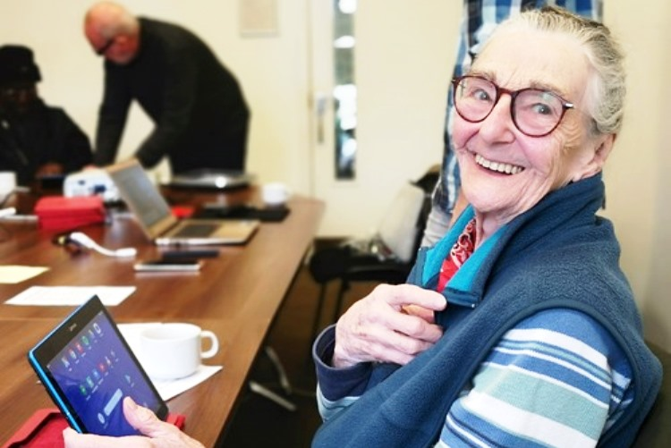 Digital technology classes for older people